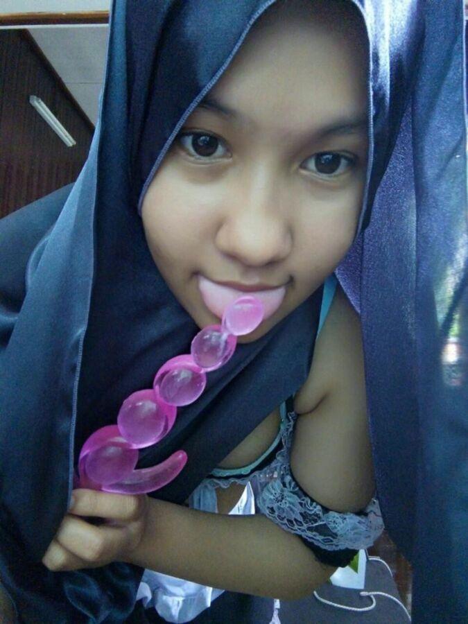 Free porn pics of MALAYSIAN HIJAB GIRL 4 of 22 pics
