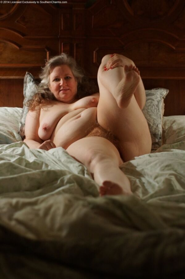 Tigerlily Playing In Bed | BBW FUCK PIC