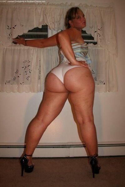 Free porn pics of Crystal Bottoms Pics 7 of 410 pics