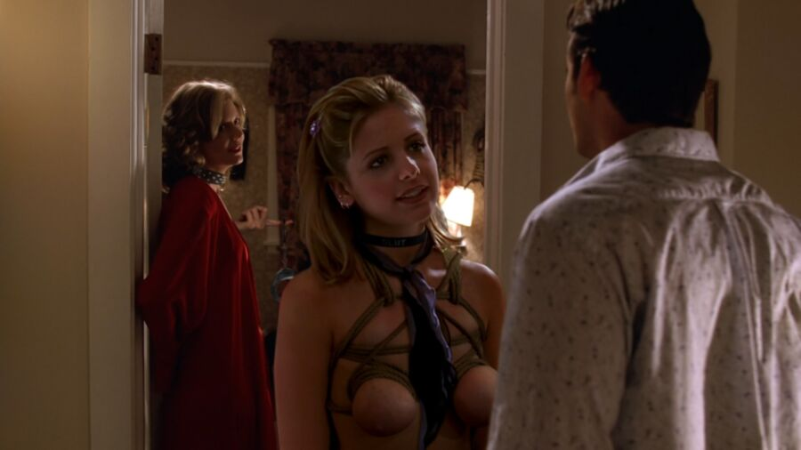 Free porn pics of Buffy the Vampire Slayer fakes 1 of 6 pics