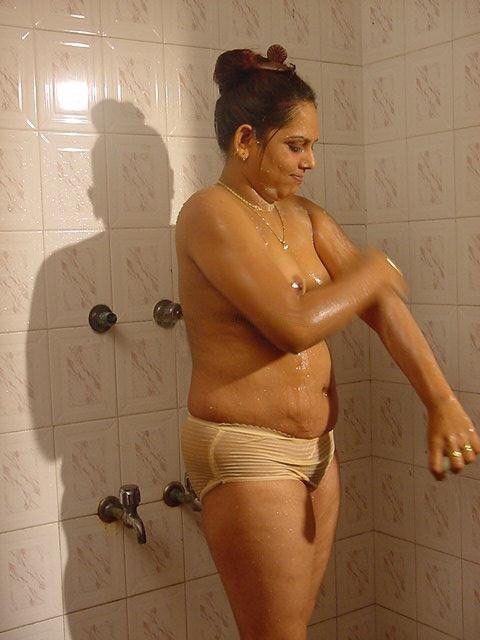 Free porn pics of Mallu Sindhu Aunty Bathing Series 22 of 54 pics