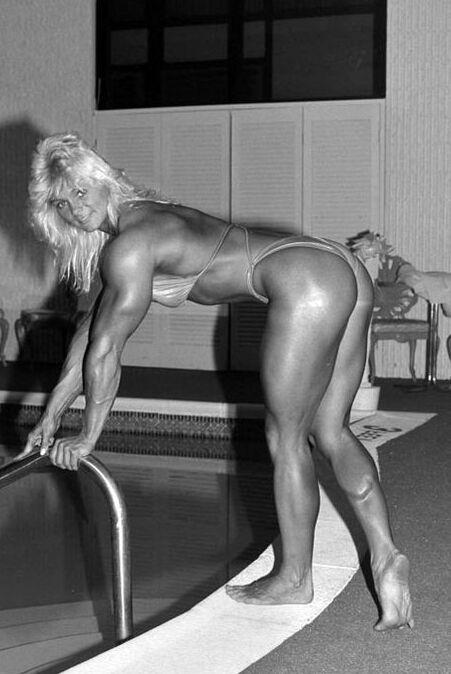 muscle girl raye hollitt free porn jpg