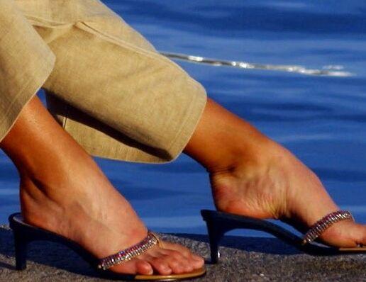 Maria Sharapova has amazing long legs and big feet! 8 of 150 pics