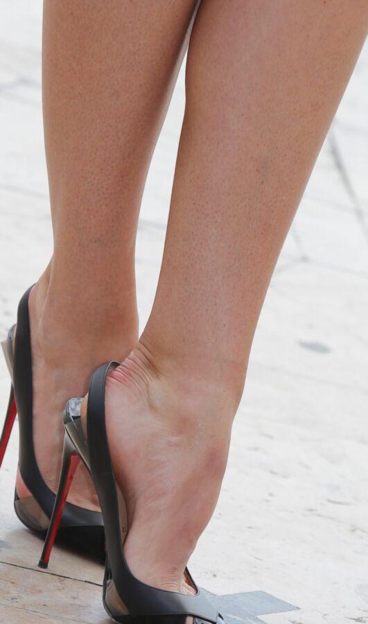 Maria Sharapova has amazing long legs and big feet! 6 of 150 pics